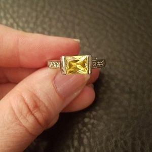 Lia Sophia ring- size 8.5